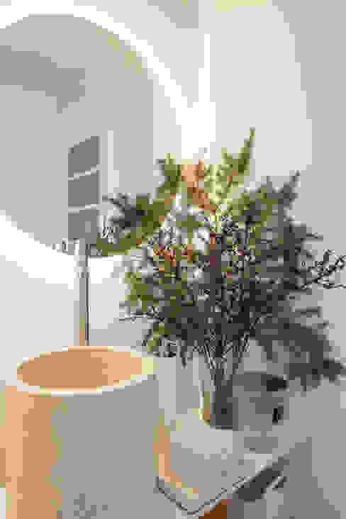 Lavabo Social Atelier Renata Santos Machado Casas de banho modernas Mármore Bege