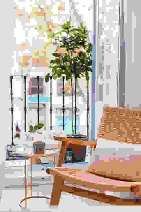 Dormitorio principal. Detalle. Rincón de lectura y balcón Estudio Elena Campos Balcón