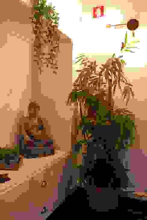 Pequeno recanto natural Sofia Veloso Interiores Lojas e Espaços comerciais eclécticos