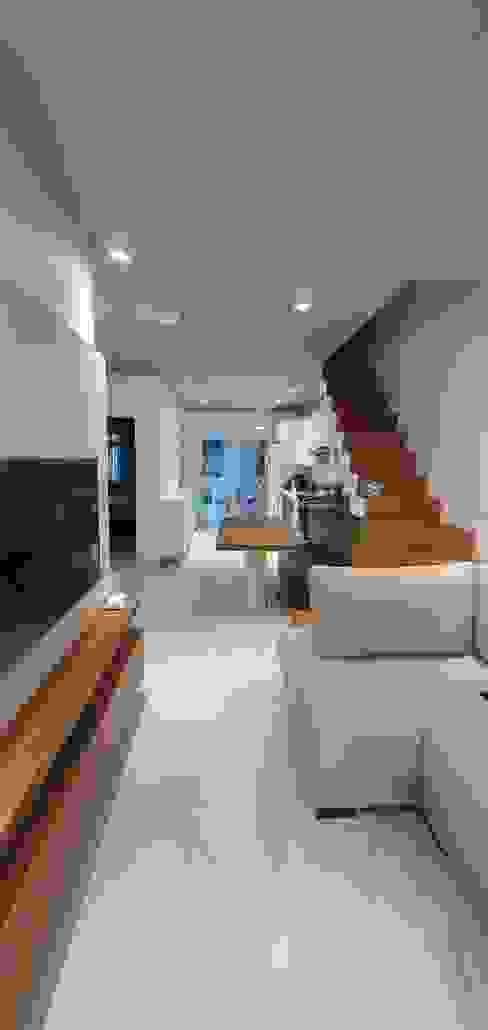 Reforma interior Better Home Corredores, halls e escadas modernos Tijolo Branco