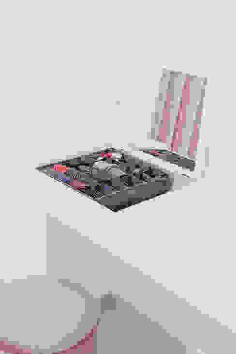 Mobile toeletta di manuarino architettura design comunicazione Minimalista Legno Effetto legno