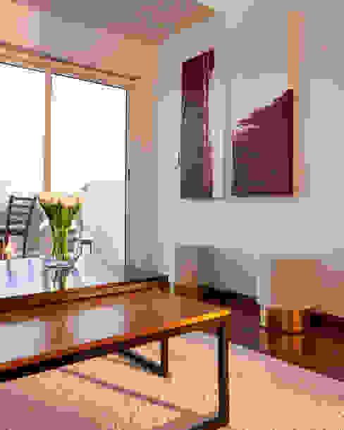 NATALIA JIMENEZ - INTERIOR DESIGN STUDIO Ruang Keluarga Modern