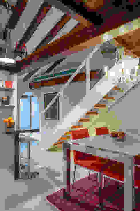 Reforma de escalera en un dúplex Producasa Escaleras Madera Blanco