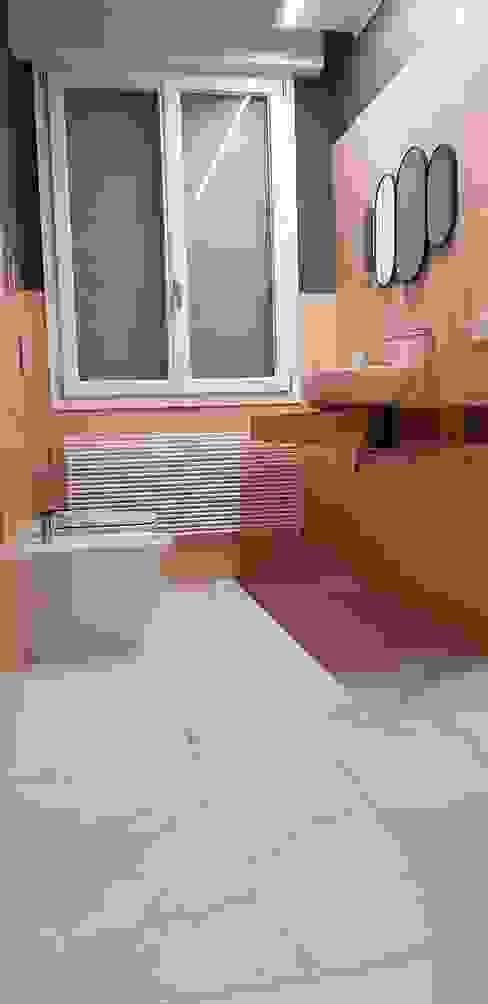 G.R. Costruzioni s.r.l. Modern bathroom Ceramic Pink