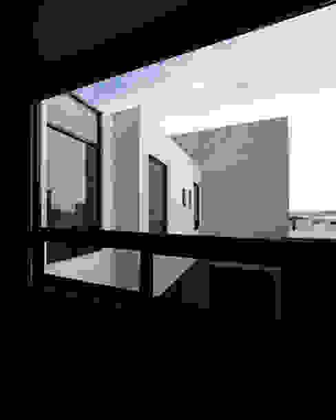 Vista recamara GRUPO VOLTA Recámaras pequeñas Aluminio/Cinc Negro