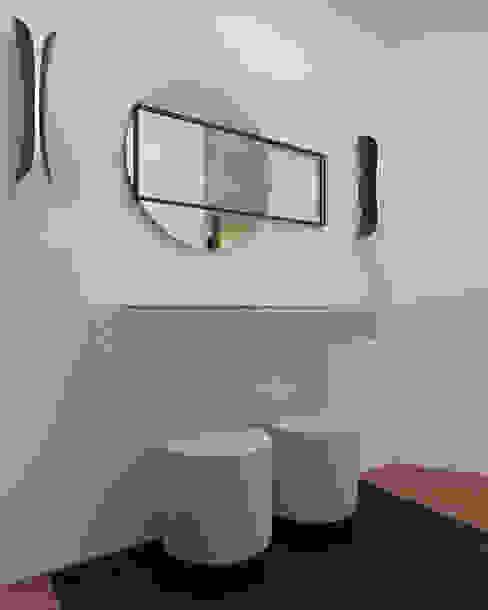 Vivenda - Santa Maria da Feira Angelourenzzo - Interior Design Corredores, halls e escadas minimalistas
