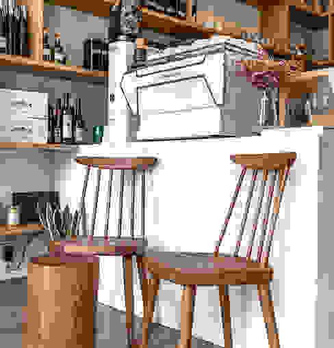 Manna   Mobiliário Restaurante Boa Safra Corredor, hall e escadasSofás, cadeiras e bancos Madeira maciça