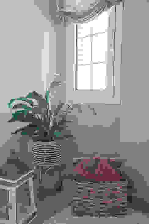 Detalles decorativos Interiorismo Laura Mas Dormitorios de estilo mediterráneo