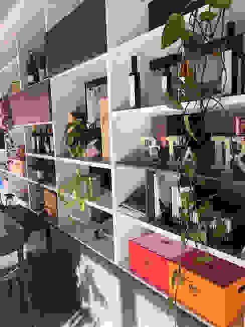 Libreria Bifacciale GGinterior Bar & Club in stile minimalista