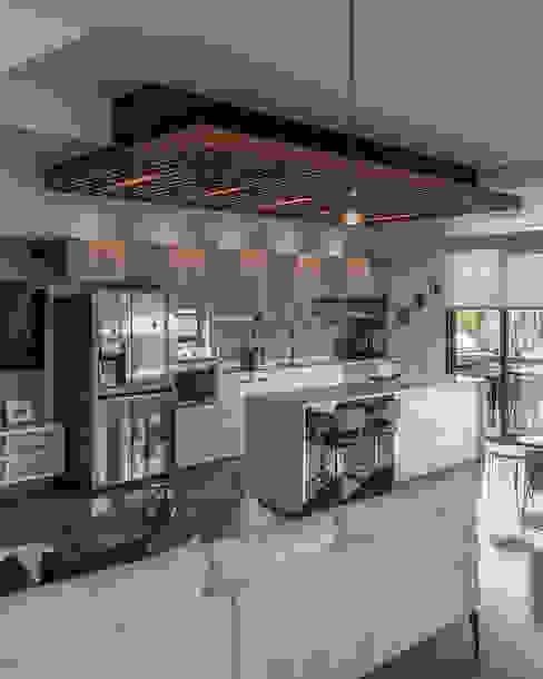 Remodelación depto Clericus trama arquitectos Cocinas de estilo minimalista