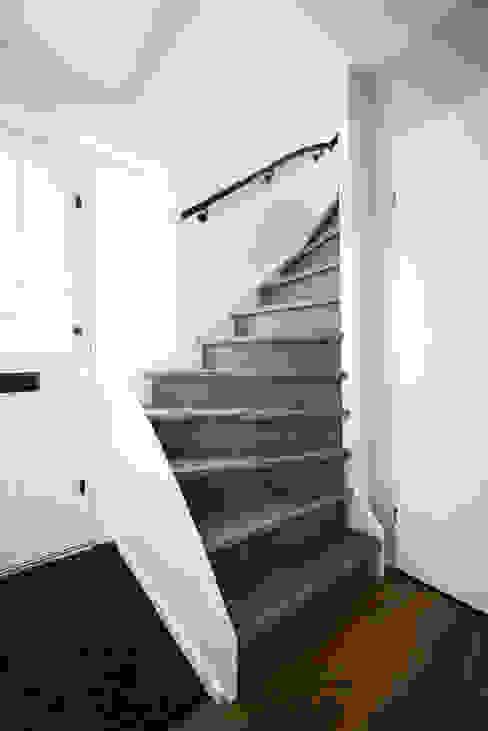 Leren trapbekleding, nieuwe of bestaande trap bekleden met puur leer Mutsaers Leather flooring Trap
