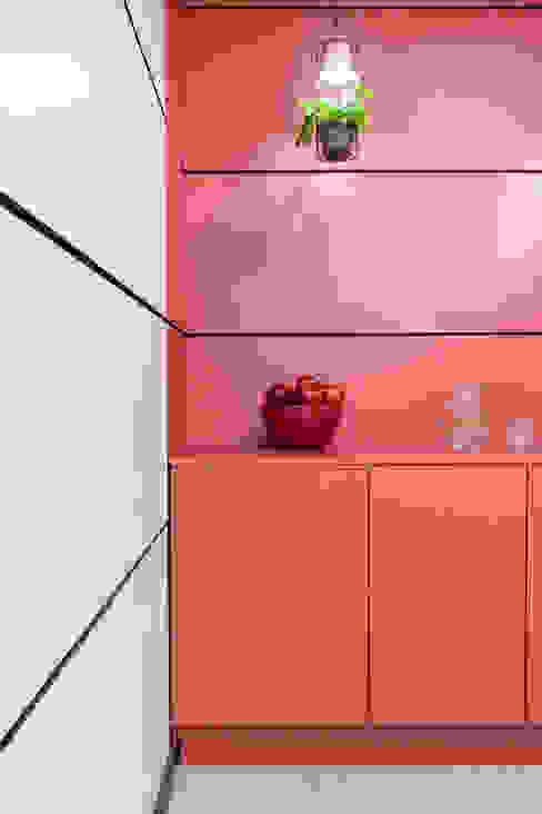 Zona de cafetería en SIMA Interiorismo y decoración en Madrid / Kando Estudio Oficinas y tiendas de estilo moderno Acabado en madera
