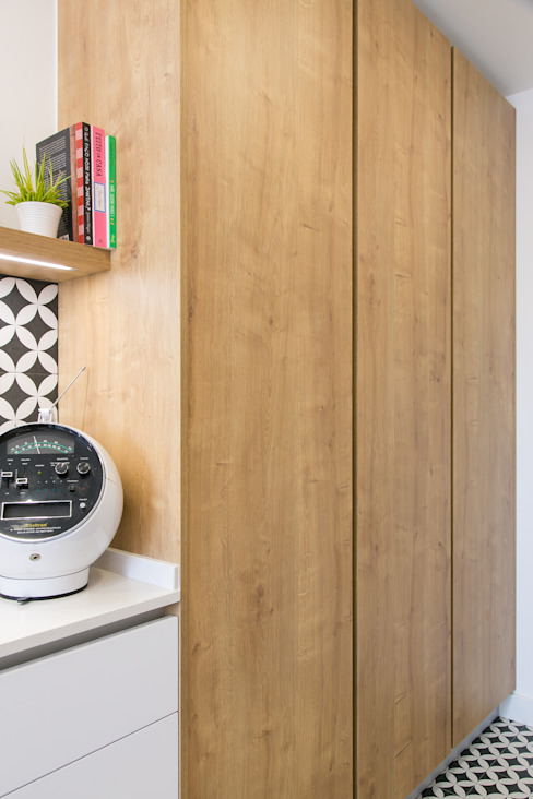 Remodelação de Cozinha Traço Magenta - Design de Interiores Cozinhas modernas Madeira Branco