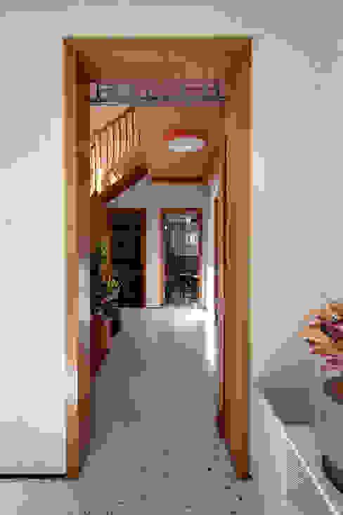 MOOD- Escritório Pacaembu Estúdio Mood Espaços comerciais modernos Madeira maciça Rosa