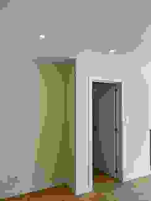 Corredor Home 'N Joy Remodelações Corredores, halls e escadas modernos