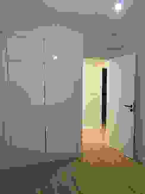 Quartos Home 'N Joy Remodelações Closets modernos