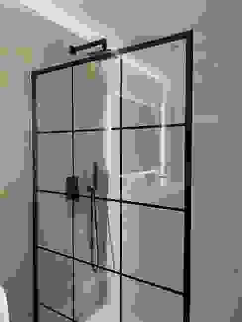 Casa de banho moderna e elegante Home 'N Joy Remodelações Casas de banho modernas