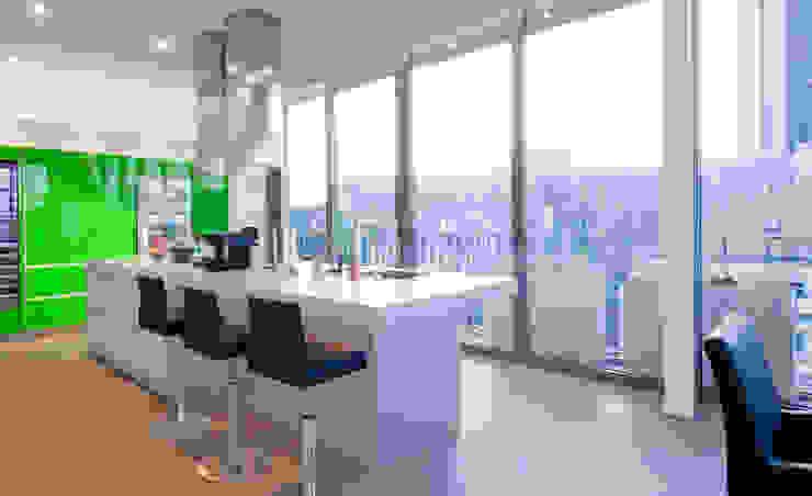 Küche in Apple Ggreen... Moderne Küchen von KERN-DESIGN GmbH Innenarchitektur + Einrichtung Modern