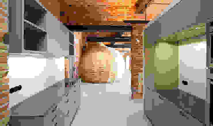 Loft Wedding // Küche und Gästezimmer Industriale Küchen von designyougo - architects and designers Industrial Holz Holznachbildung