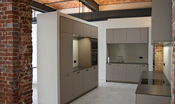 Industrial style kitchen by designyougo - architects and designers Industrial MDF