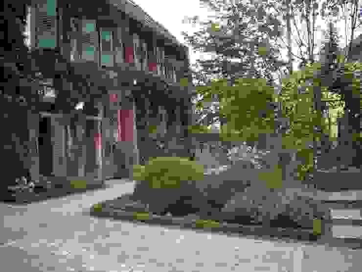 Der Romantische Bauernhausgarten Garten im Landhausstil von Planungsbüro STEFAN LAPORT Landhaus