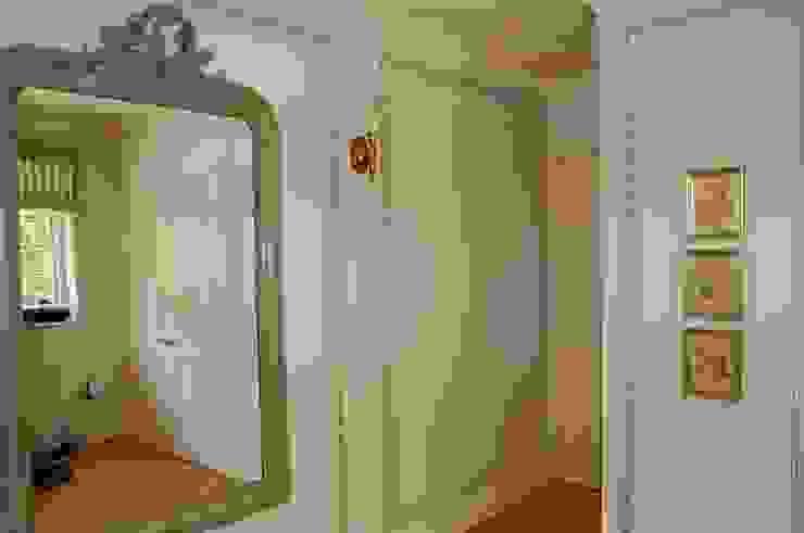 englische Landvilla Klassische Ankleidezimmer von Wandmalerei & Oberflächenveredelungen Klassisch