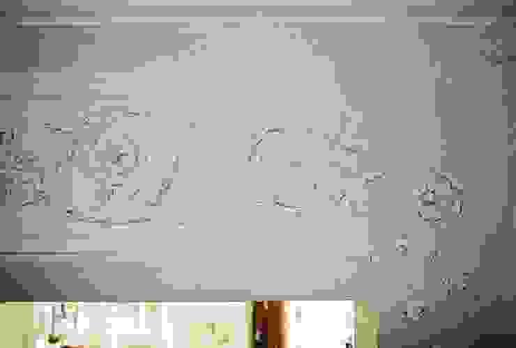 Elegante Innenraumgestaltung in neugebauter Villa Klassische Wohnzimmer von Wandmalerei & Oberflächenveredelungen Klassisch