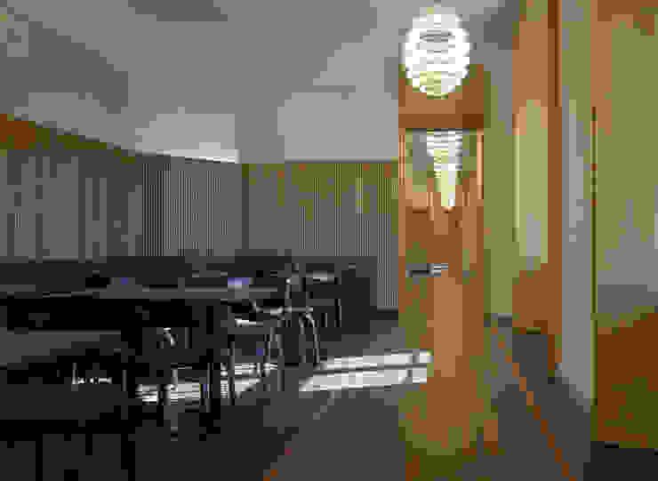 Edelmetallbeschichtung im Schloss Bad Muskau Moderne Gastronomie von Wandmalerei & Oberflächenveredelungen Modern