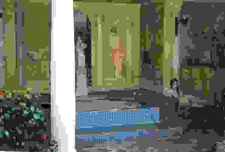 Englische Landvilla Klassische Pools von Wandmalerei & Oberflächenveredelungen Klassisch