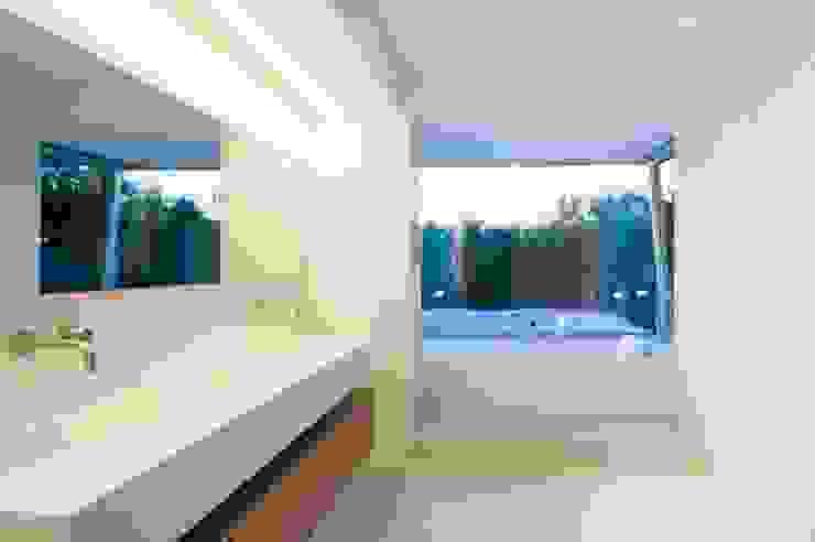 Badezimmer - Feuchträume in Betonoptik Industriale Badezimmer von Fugenlose mineralische Böden und Wände Industrial