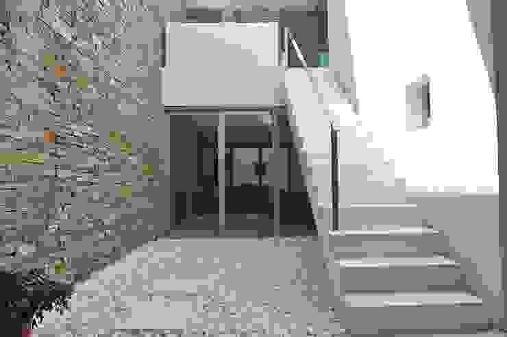Spachtelböden im Außenbereich - Betonoptik von Fugenlose mineralische Böden und Wände Mediterran