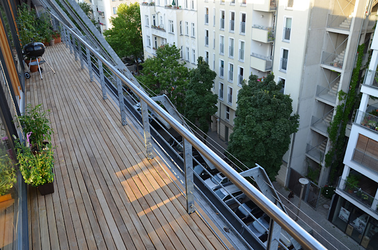 BioMaderas GmbH Balcony, veranda & terrace