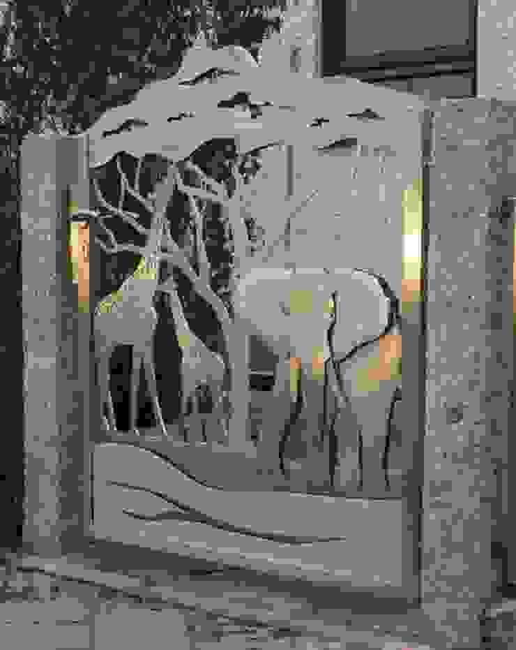 Edelstahl Tordesign Moderner Garten von Edelstahl Atelier Crouse: Modern
