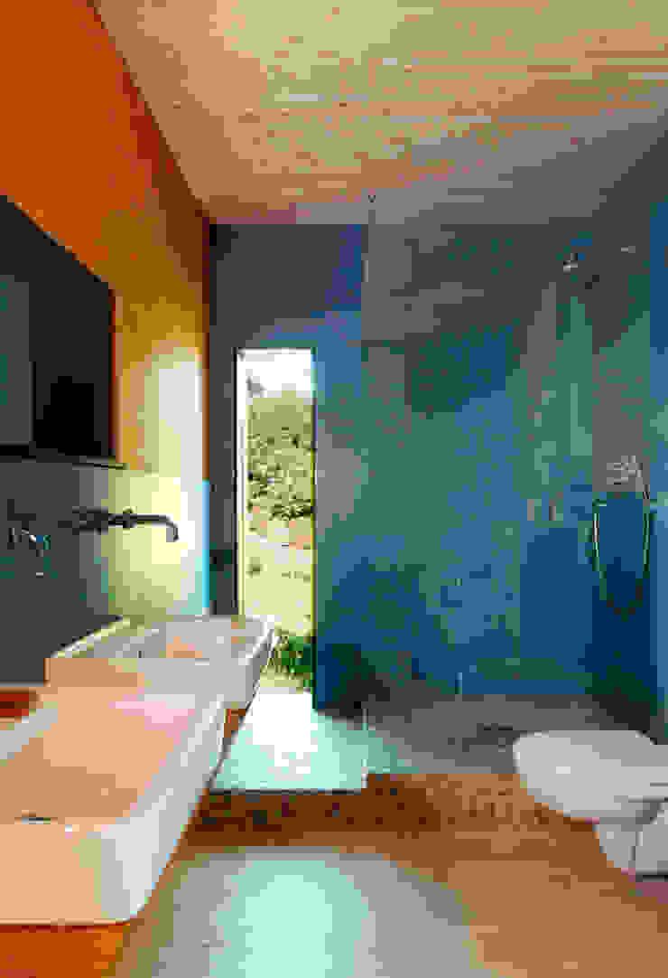 Haus K. Rustikale Badezimmer von Architekturbüro Riek Rustikal