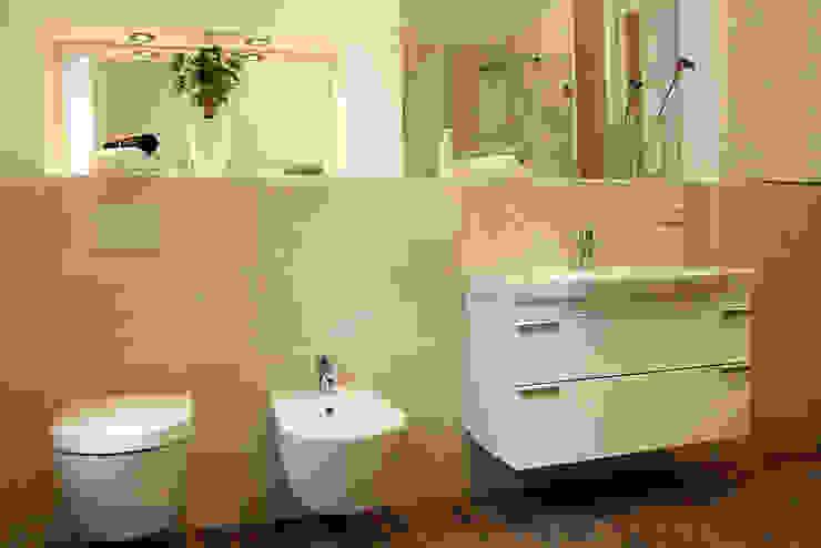 Musterwohnung in san. Altbau-Villa in Leipzig Klassische Badezimmer von wohnhelden Home Staging Klassisch