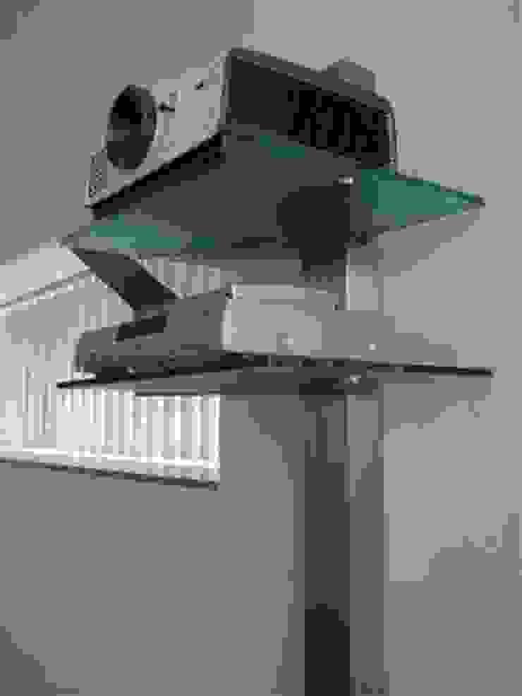 Beamer-Rack: modern  von Edelstahl Atelier Crouse:,Modern