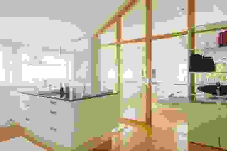Modern bathroom by tRÄUME - Ideen Raum geben Modern