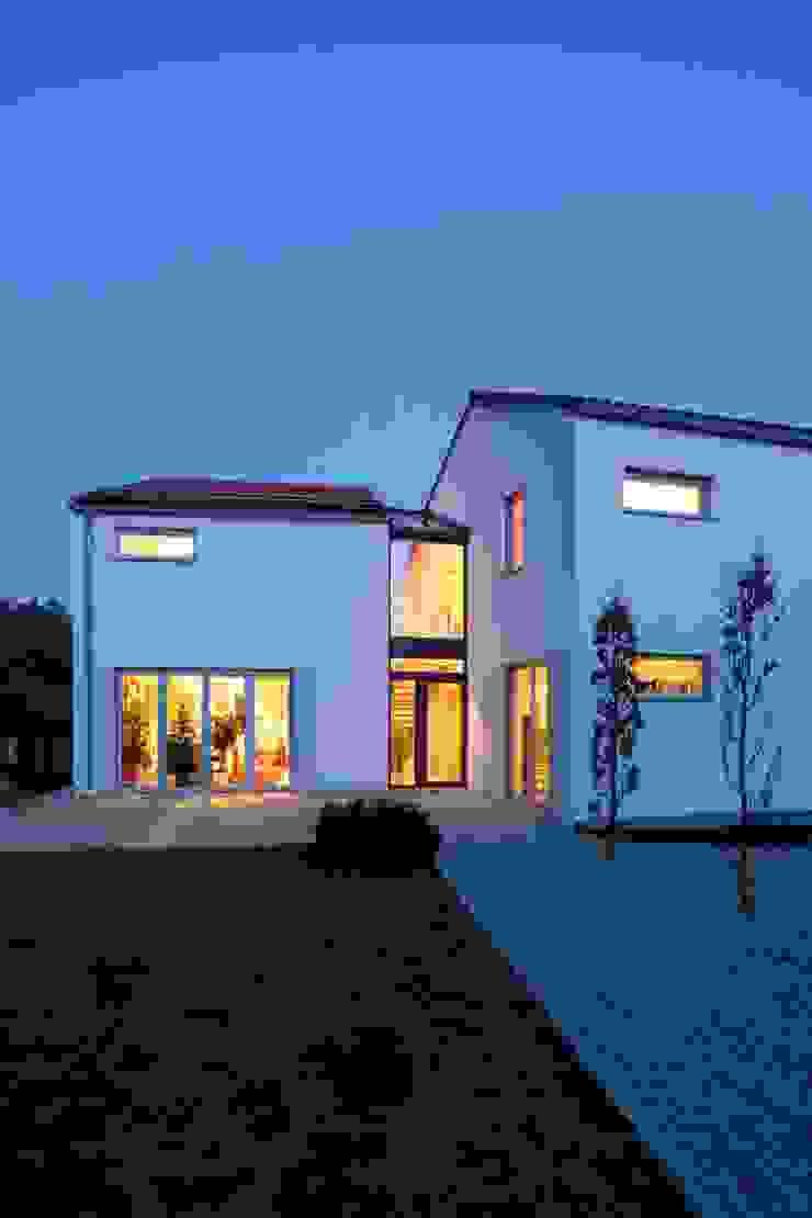 Wohnhaus am Hang Moderne Häuser von Architekt Armin Hägele Modern