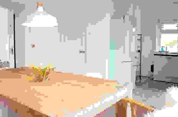 Opvallende koelkast Scandinavische keukens van Evelyne Ontwerp Scandinavisch