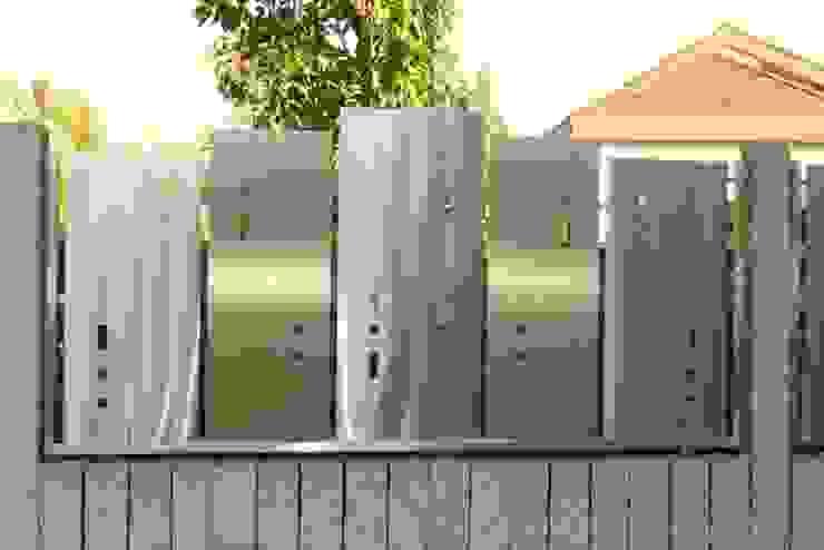 Edelstahl Atelier Crouse: Modern Garden