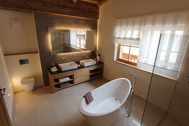 Country style bathrooms by homify Country