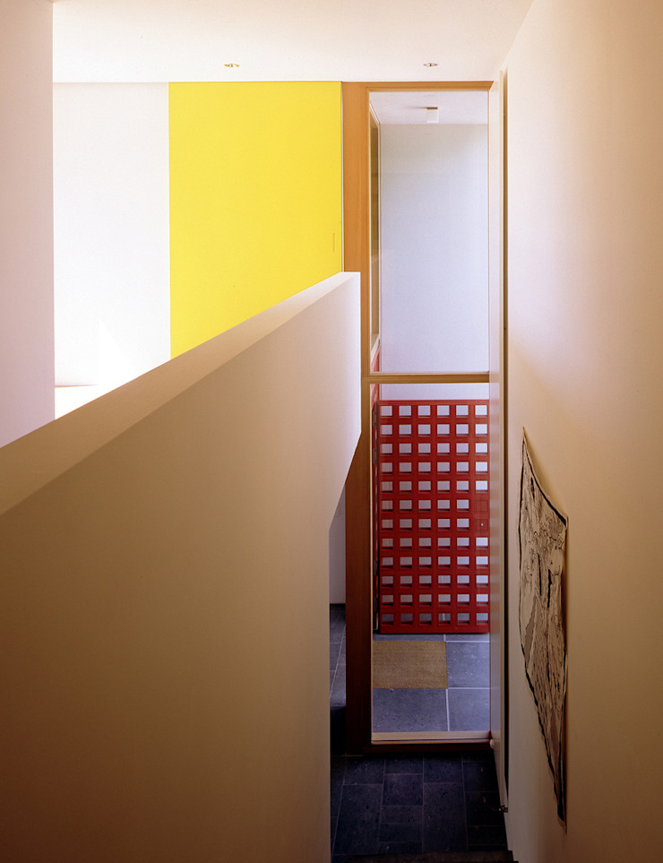 Staircase, Corridor and Hallway by Architektur & Interior Design