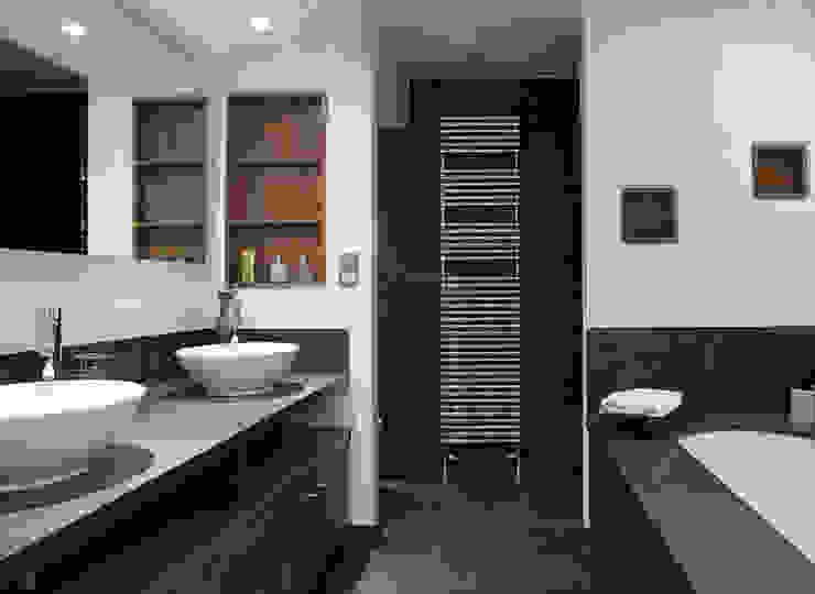 Baños: ideas, imágenes y decoración de Thomas & Co Interior Design GmbH