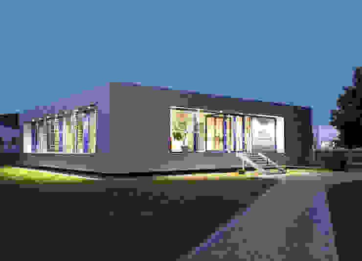 Das Zink Office Häuser von ZappeArchitekten