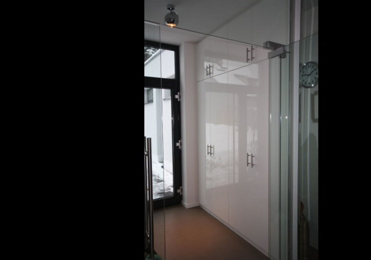 Ankleidezimmer Niederlehme von RAUMAX GmbH Modern