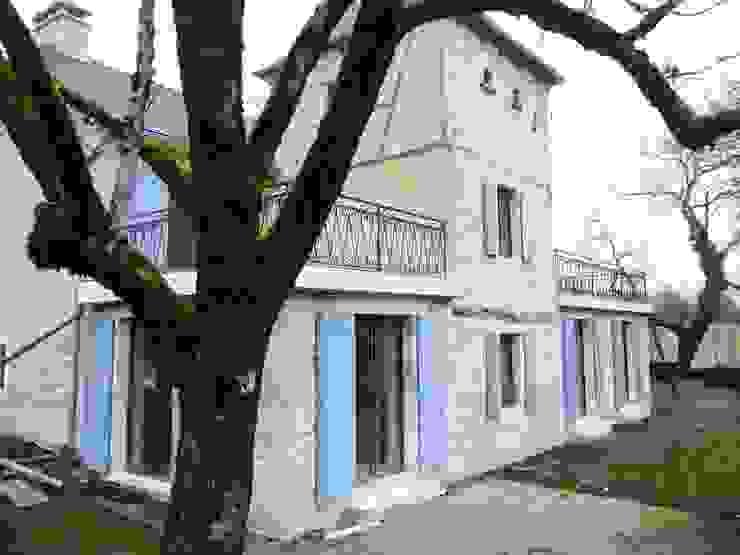 Réhabilitation global d'une maison de charme au sein de la commune de Gignac Maisons modernes par VAYLAC Moderne