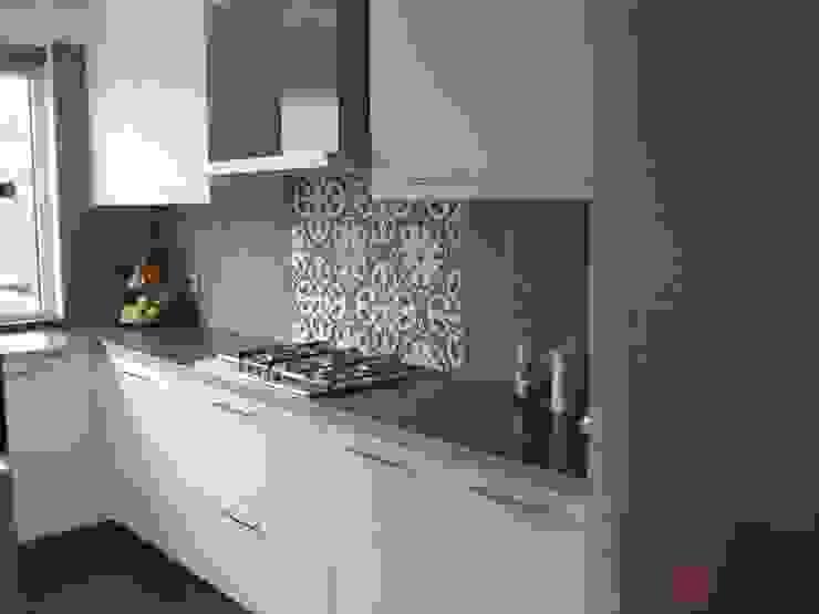 Kitchen by Kolory Maroka, Mediterranean