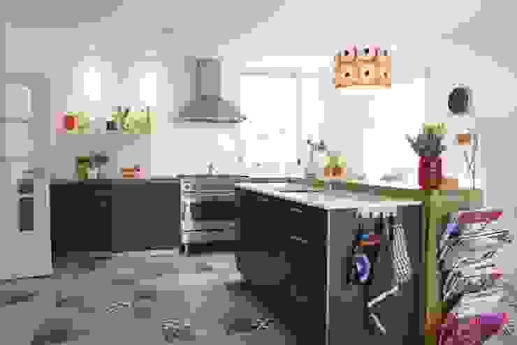 Aranżacje płytek cementowych w kuchni: styl , w kategorii Kuchnia zaprojektowany przez Kolory Maroka,Śródziemnomorski
