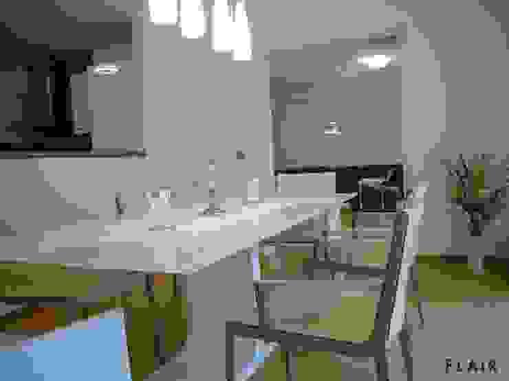 Esszimmer: modern  von FLAiR Home Staging,Modern