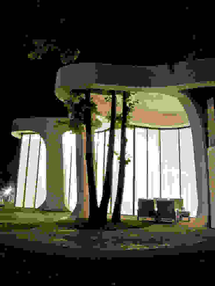PARK CAFE – St. Barbara's Park, Batumi, Georgia Häuser von J.MAYER.H